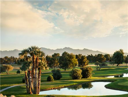 Phoenix Golf Courses with a View of the Mountains
